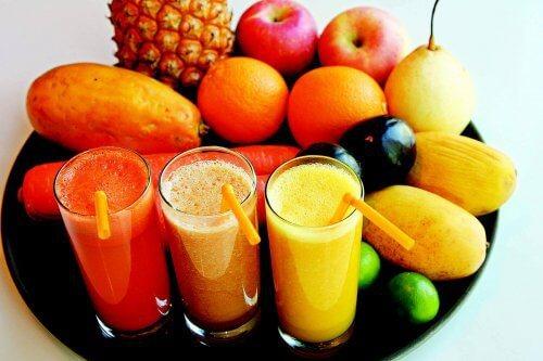 gesunde-obstsaefte-getraenke