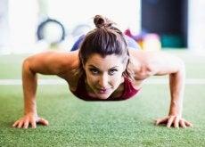 japanische-methode-zur-staerkung-der-bauchmuskeln-in-nur-4-minuten