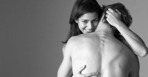 frau-und-mann-haben-sex