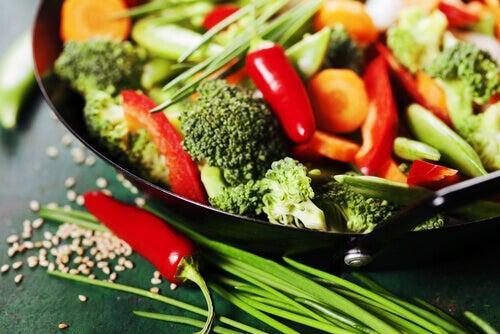 Eisenpfannen für Gemüse