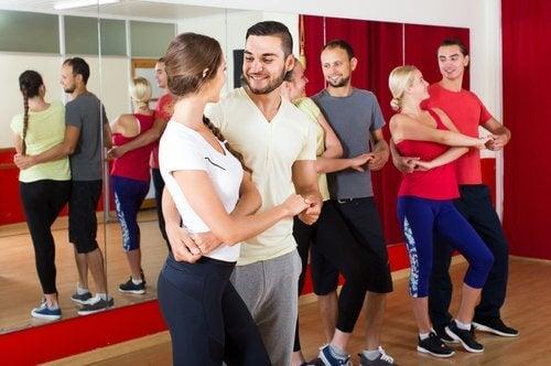 paerchen-tanzt-salsa-tanzarten