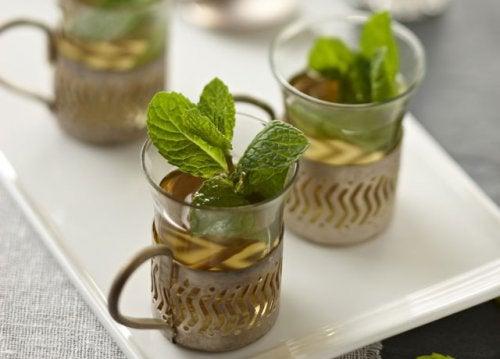 Tees gegen Blähungen: Minze