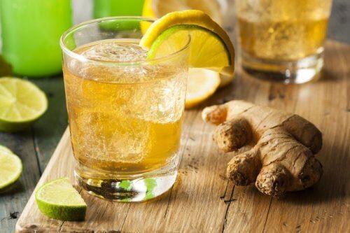 5 Getränke, die eine Gewichtsreduktion unterstützen