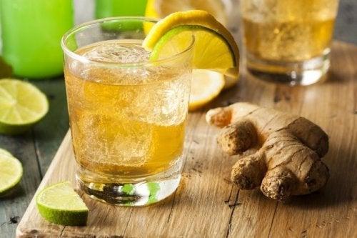 Getränke zum Abnehmen auf nüchternen Magen