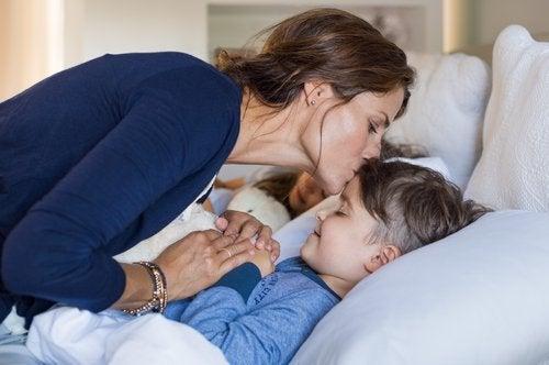Im Schlaf sprechen kommt häufig bei Kindern vor