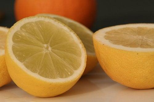 10 erstaunliche Ideen, um Zitronen zu nutzen