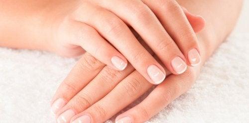 nagelpflege-fingernaegel