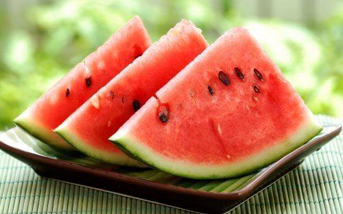 Die Schale von Wassermelonen ist vielseitig verwenbar