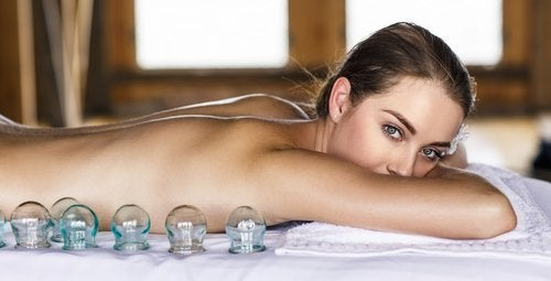 frau-wartet-auf-massage