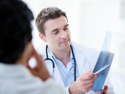 Kürbiskerne sind sehr gesund! Lasse dich von deinem Arzt beraten.