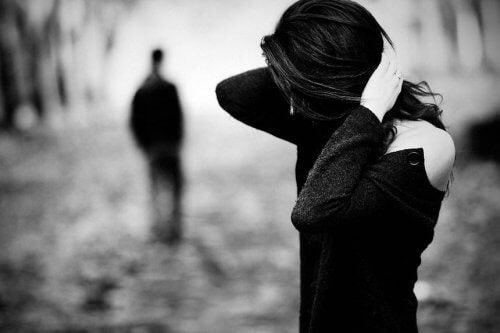 Frau wird verlassen Beziehung