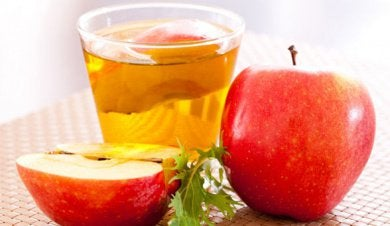 Apfelessig gegen entzündetes Zahnfleisch