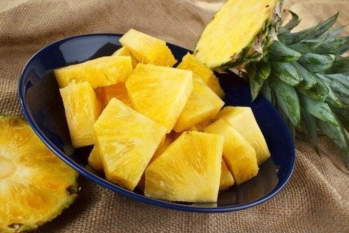 geschnittene Ananas