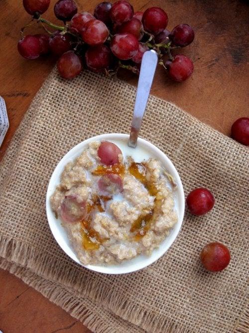 Frühstück mit Hafer zum Abnehmen