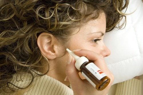 7 Hausmittel, um Ohrenschmalz natürlich zu entfernen