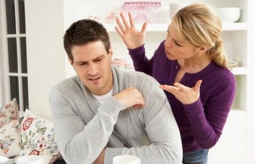 verbale Gewalt zwischen Partnern