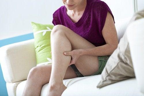 6 Hausmittel gegen nächtliche Muskelkrämpfe