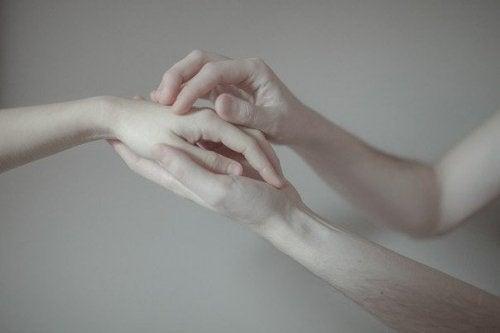 helfende-Hände