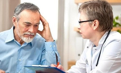 Mann bei Ärztin