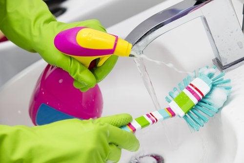 Abwasch reinigen