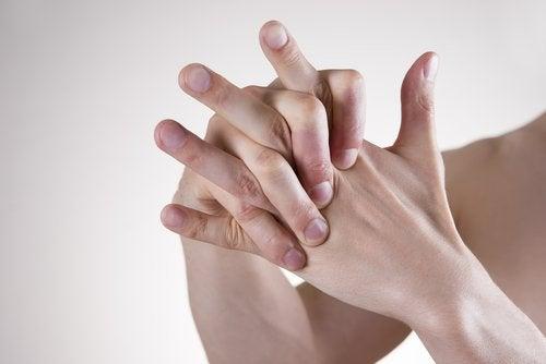 Hände die japanische Technik gegen Stress durchführen