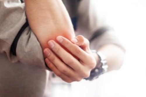 Bursitis: Tipps rund um die Schleimbeutelentzündung