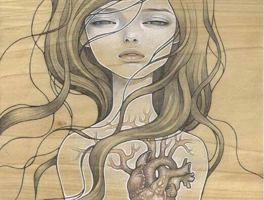 Frau mit Herz verletzt