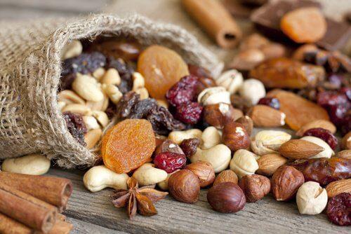 Nüsse gegen hohe Triglycerid-Werte