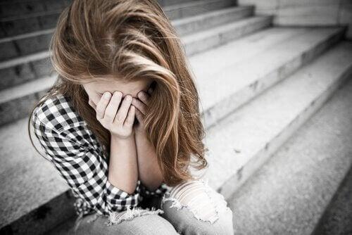 Weinender Teenager