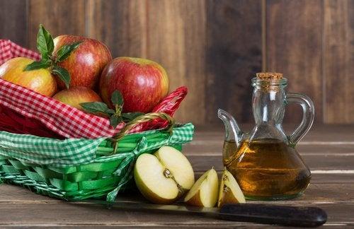 Apfelessig gegen übermäßiges Schwitzen