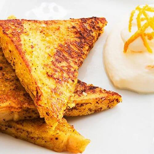 Toastbrot am Frühstückstisch