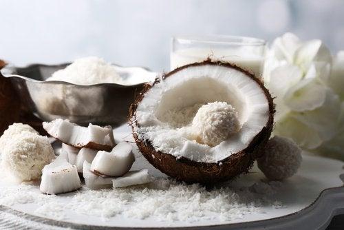 Kokosnuss besser roh