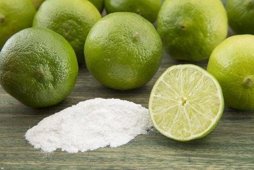 Natron und Zitrone gegen Schwitzen
