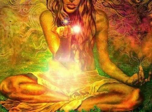 Frau mit Licht ist freie Seele