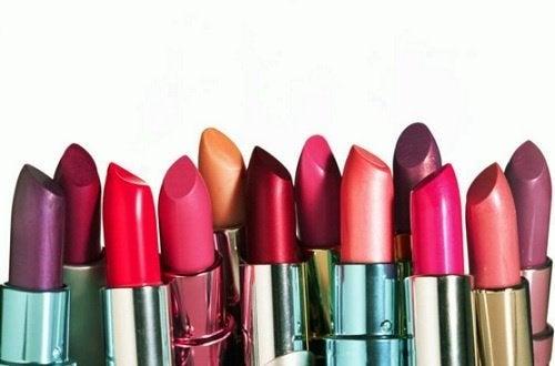 Lippenstifte für Lippen