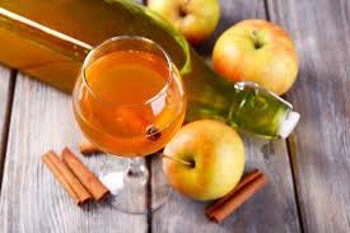 Jeden Tag einen Löffel Apfelessig: 8 Vorteile