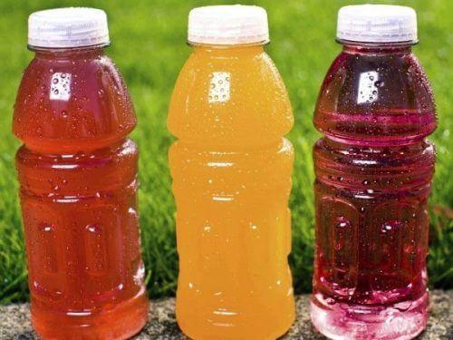 Kohlenhydrate in Form von süßen Drinks