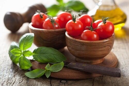 Tomaten für Ideen mit Tomatensaft