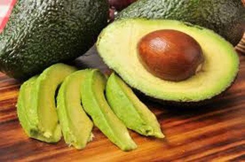 fettreiche Nahrungsmittel wie Avocado