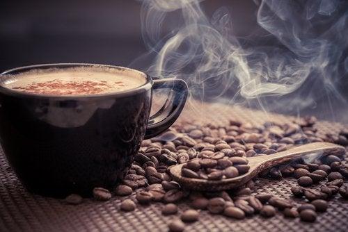 Kaffee zum Frühstück aktiviert den Stoffwechsel