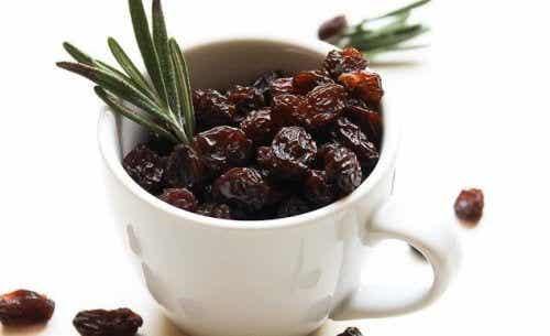 6 Gründe warum du am Morgen Rosinen essen solltest