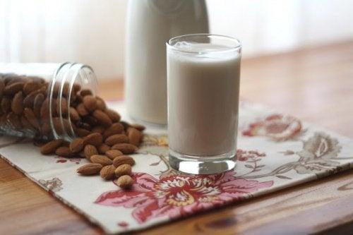 Mandelmilch enthält Zucker
