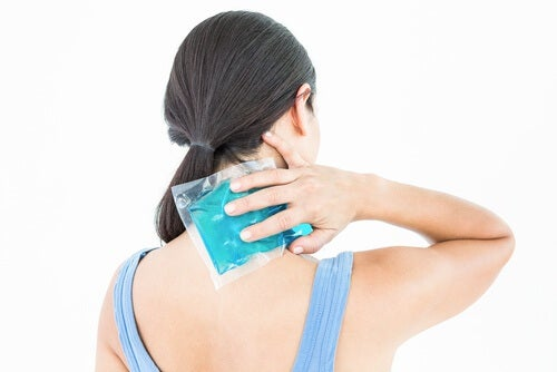 Sehnenentzündung in der Schulter mit Eis behandeln