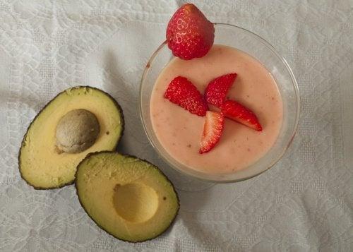 Fibromyalgie Avocado und Erdbeeren