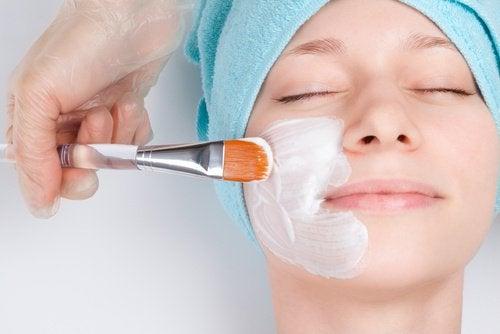 Gesichtsmaske mit natürlichen Inhaltsstoffen