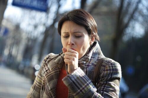 Frau mit Lungenkrebs