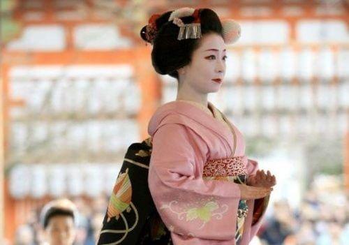 Geisha auf dem Weg zum Glück