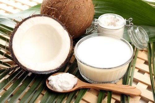 Kokosmilch gegen Haarausfall