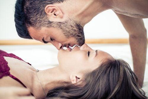Frau und Mann bei Oralsex