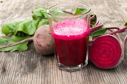 Smoothie mit Roter Bete